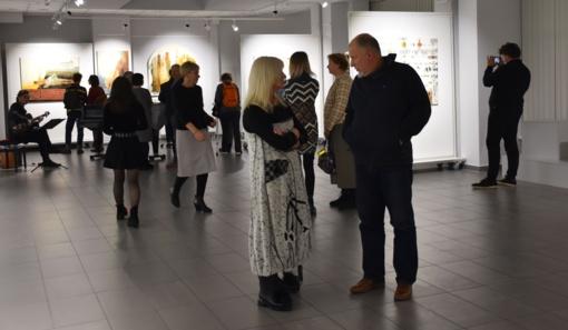 Atidaryta Gražinos Murelytės – Ajauskienės ir Valentino Ajausko tapybos ir grafikos darbų paroda