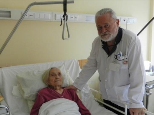 Marijampolės medikai šimtametei grąžino  judėjimo laisvę