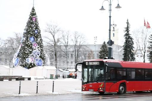 Į Kalėdų eglės įžiebimo šventę Vilniuje – dažnesniu ir talpesniu viešuoju transportu