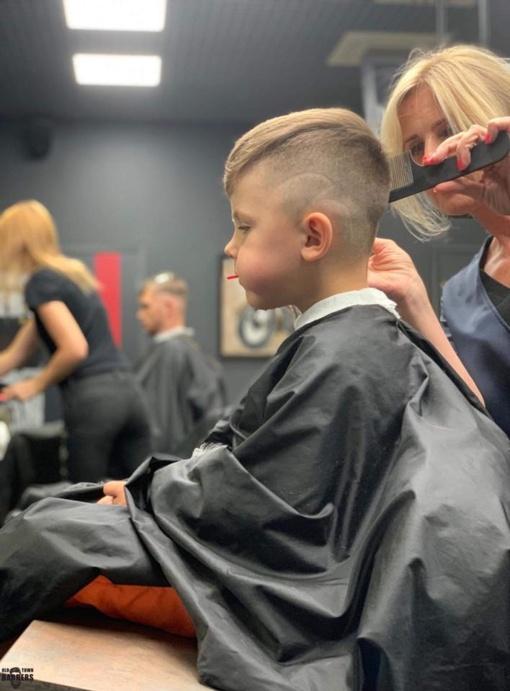 Kalėdų dovana - NEMOKAMOS šukuosenos nepasiturinčių šeimų vaikams
