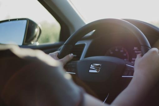 Lietuvos gyventojai įvardijo, kas juos labiausiai blaško vairuojant