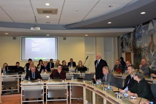 Tarybos posėdyje ne tik darbiniai klausimai, bet sveikinimų lavina