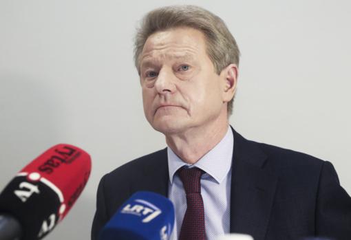Prokuroras pasiūlė kaltinimus korupcijos byloje teisiamiems R. Paksui ir G. Vainauskui