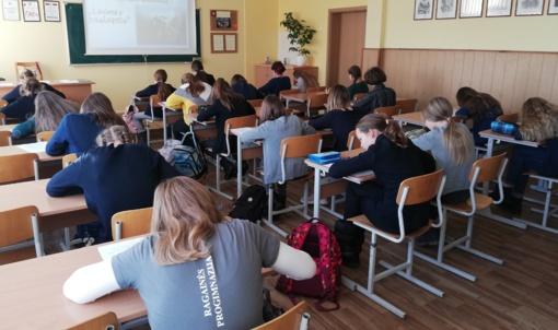 Gegužių progimnazijoje tradicinis dailiausiai rašančių miesto 5-7 kl. mokinių konkursas