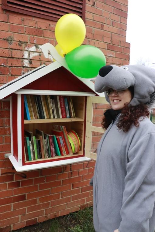 Biblioteka surengė teatralizuotą knygų namelio atidarymą