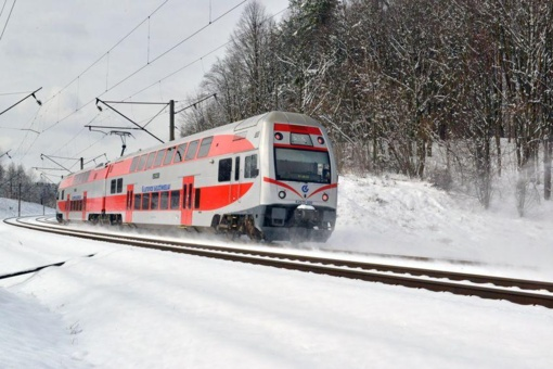 Keičiami traukinių ir miesto autobusų tvarkaraščiai