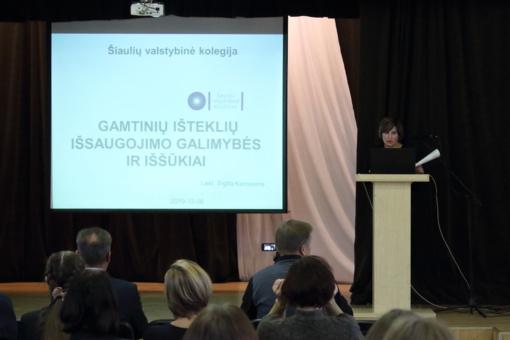 """S. Daukanto gimnazijoje respublikinė mokinių ir mokytojų  gamtos mokslų konferencija  """"Menas mokytis ir tyrinėti"""""""