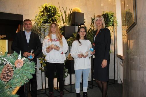 Gimnazistai pasirūpino Druskininkų senjorų šventėmis