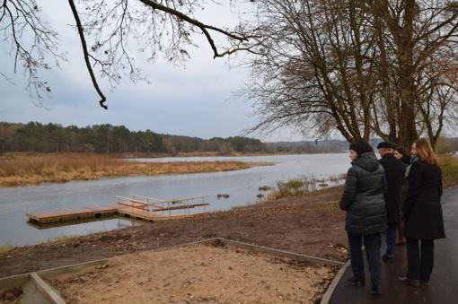 Viešųjų erdvių atnaujinimo darbai tęsiami – gražėja ir Nemuno pakrantė