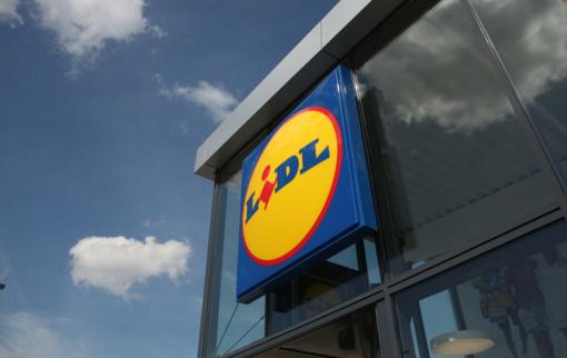 """""""Lidl"""" parduotuvėje Vilniuje – absurdiškas nusikaltimas: studentas prie vaikų šlapinosi ant pieno produktų"""