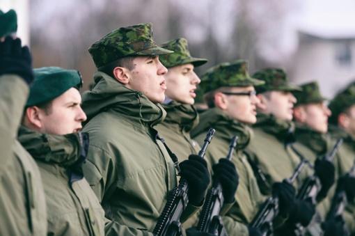 Tarp Vyriausybės siūlymų Seimui – ir geresnės socialinės garantijos kariams