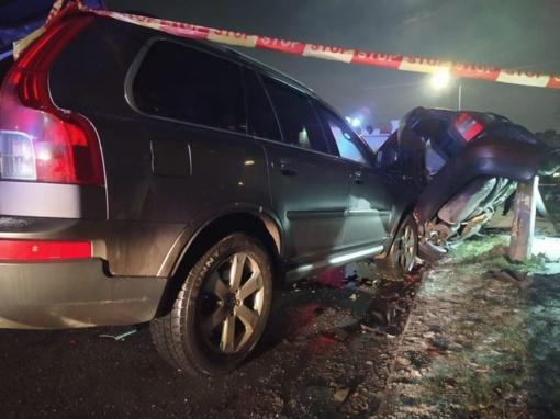 """Šiaurės prospekte neblaivus """"Volvo"""" vairuotojas trenkėsi į stovintį """"Audi"""" automobilį"""