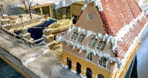 Būsimųjų konditerių dovana Klaipėdai – neįprastas kalėdinis miestelis iš 100 kg tešlos