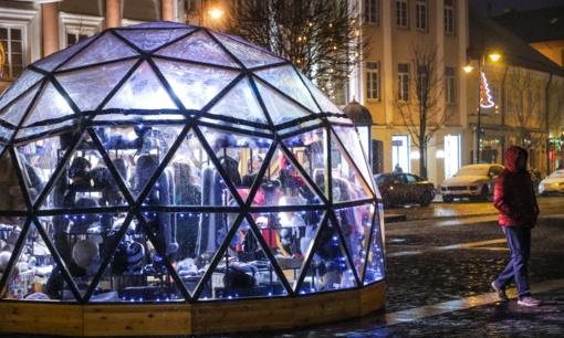 Vilniaus Kalėdų miesteliai kuria šventišką nuotaiką ir vilioja gėrybių gausa