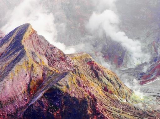 Naujojoje Zelandijoje narai ieško likusių ugnikalnio išsiveržimo aukų