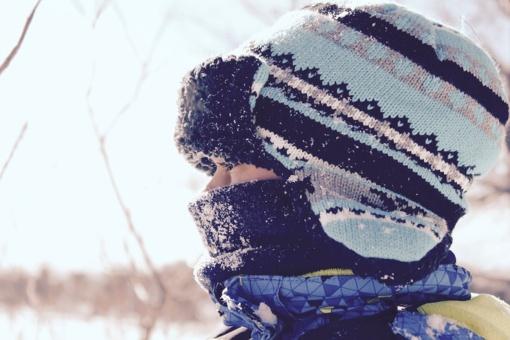Kaip nesušalti ir padėti sušalusiam