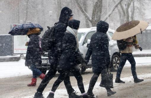 Savaitgalį orai kardinaliai keisis: pustys sniegas, smarkiai atvės