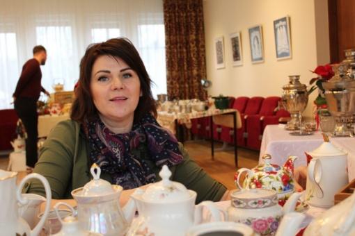 Seni arbatinukai pasakoja žmonių istorijas