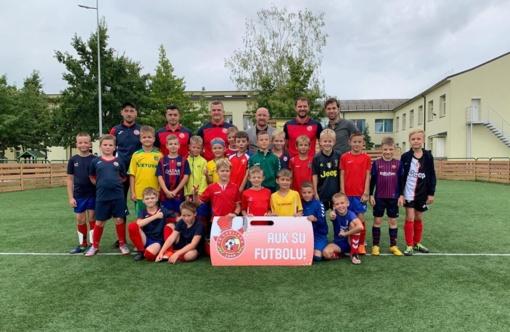 Garliavos futbolo klubas tobulina ugdymo programą