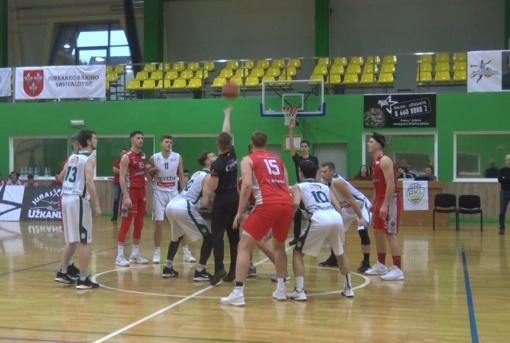 Pirmąjį metų savaitgalį sporto komplekse liejosi krepšinio aistros