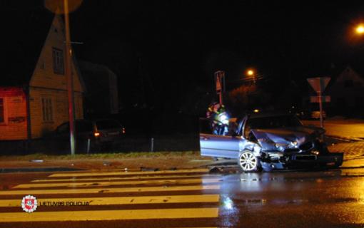 Telšiuose susidūrus automobiliams nukentėjo žmogus