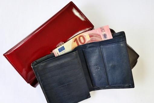Joniškio mieste ir rajone platinami netikri 10-ties eurų nominalo banknotai