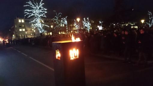 Sausio 13-ąją mieste sužibo atminimo žvakelės ir laužai