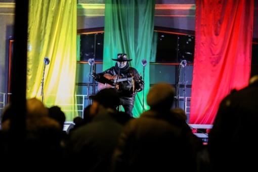 Šiauliuose Laisvės gynėjų diena paminėta atminimo laužais ir Virgio Stakėno koncertu