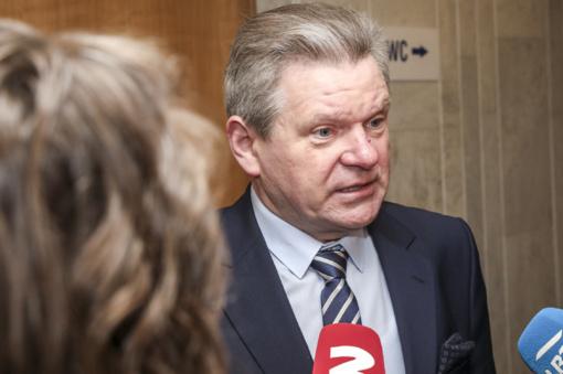 """J. Narkevičius: nė viena savivaldybė iki naujų metų nepareiškė, kad reikia atsisakyti """"žaliųjų rodyklių"""" draudimo"""