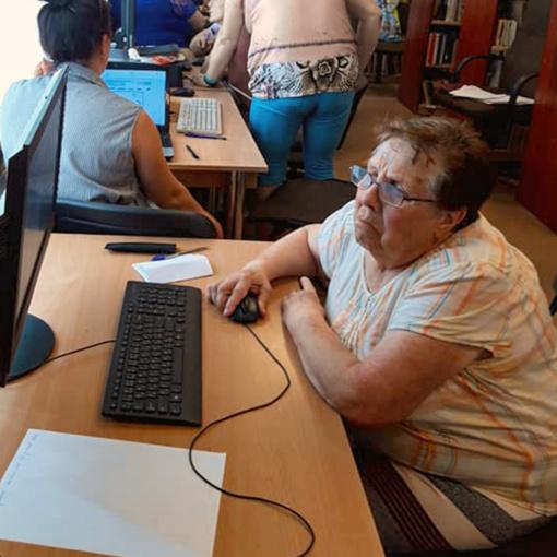 76-erių metų Elvyrai socialiniai tinklai padėjo įveikti vienatvę