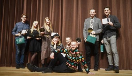 """Jaunimo apdovanojimuose """"TAJA"""" pagerbti aktyviausi krašto jaunuoliai bei su jais dirbantys žmonės"""