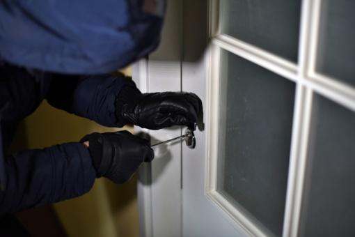 Biržų rajone iš moters namų pavogti pinigai