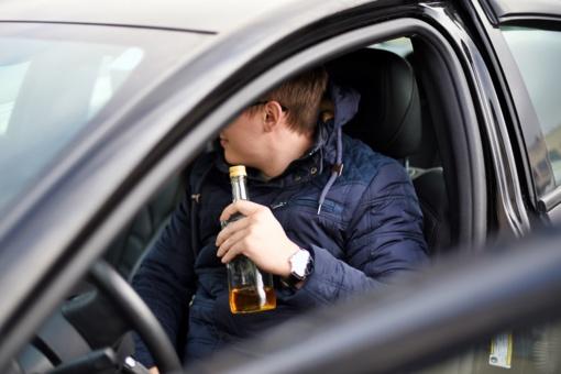 Rokiškio rajone sustabdytas neblaivus ir neturintis teisės vairuoti vyras