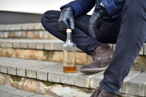 Per karantiną padaugėjo paauglių apsinuodijimo alkoholiu atvejų