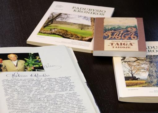 Bibliotekos dovana prof. Vytenio Rimkaus 90 jubiliejaus proga