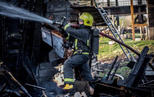 Tauragės rajone degė malkinė