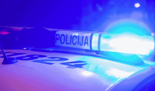 Ukmergės rajone vertėsi automobilis, nukentėjo keleivis