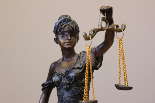 Teismas leido šiaulietei motinai du kartus per savaitę matytis su vaikais