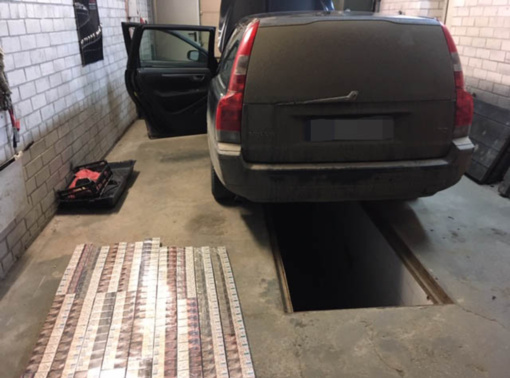 Šalčininkų rajono gyventojas kontrabandą slėpė automobilio stoge
