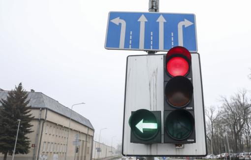 Vilniaus miesto savivaldybė siūlo lenteles su žaliomis rodyklėmis grąžinti 24 sankryžose