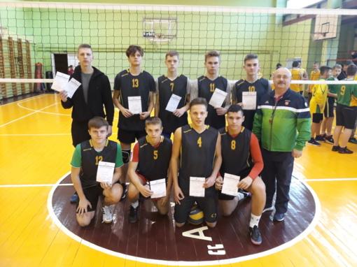 Širvintų Lauryno Stuokos-Gucevičiaus gimnazijos vaikinai – tinklinio varžybų nugalėtojai