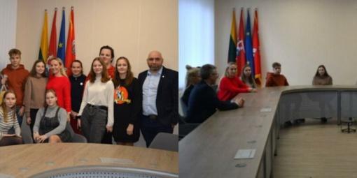 """Įvyko susitikimas su neformalia jaunimo savanorių grupe """"Jurbarkas gyvas"""""""