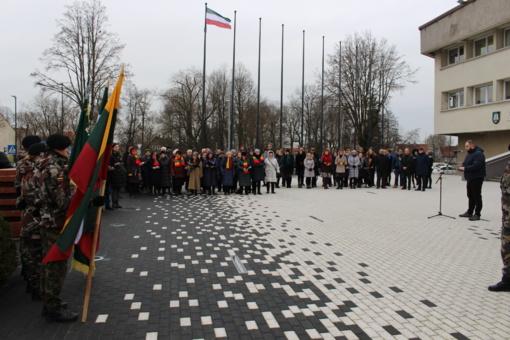 Šventinės salvės aidėjo Klaipėdos krašto dienos proga