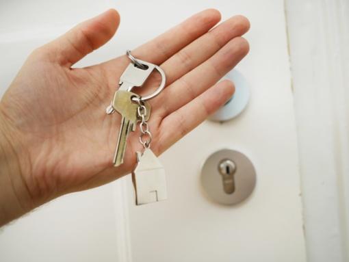 Finansinę paskatą pirmam būstui galės gauti daugiau šeimų