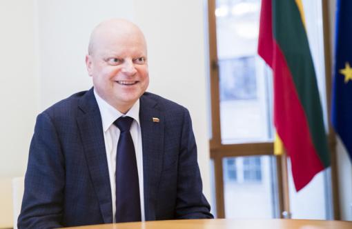 Lenkijos premjeras atvyks į Lietuvą su S. Skverneliu pasižiūrėti krepšinio
