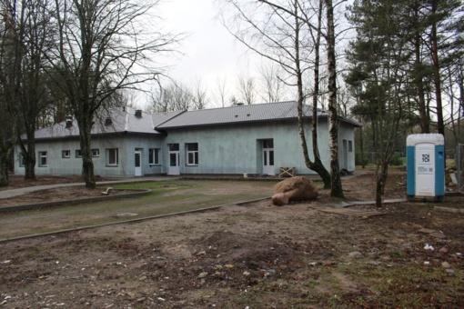 Nebaigtus Nakvynės namus palieka ir antrasis rangovas