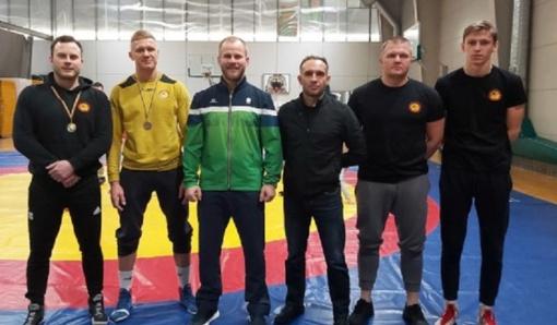 Radviliškio imtynininkai iškovojo aukso ir sidabro medalius