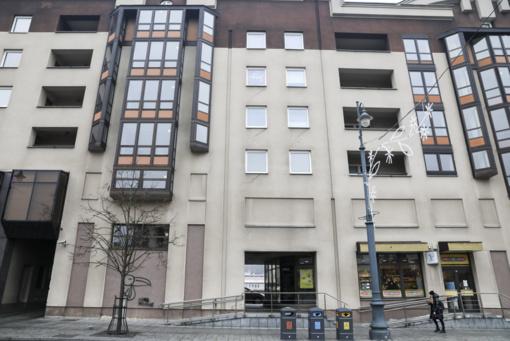 Naujas pasiūlymas dėl Seimo viešbučio: nestovėti prie vartų ir nežiūrėti, kas su kuo gyvena