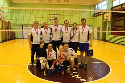 """""""Atžalyno"""" komanda – Širvintų rajono tinklinio pirmenybių merės taurės nugalėtoja"""