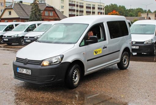 Panevėžio rajono laiškininkams – nauji tarnybiniai automobiliai